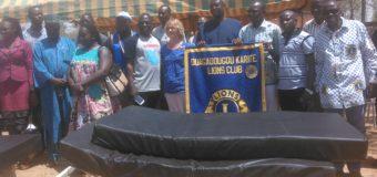 EQUIPPEMENT DES STRUCTURES SANITAIRES :  Le Lions club Ouaga Karité dans le Centre médical de Kombissiri